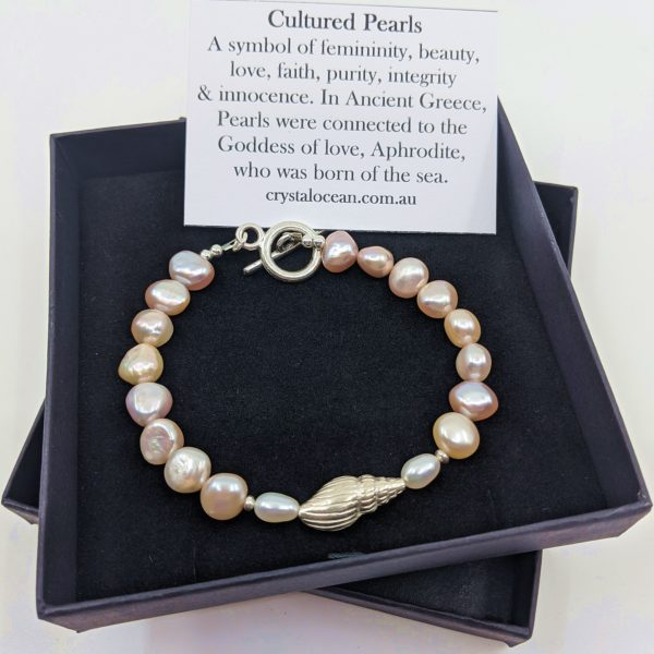 Cultured Pearl Bracelet with Shell Bead, Toggle Clasp